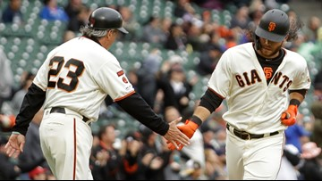 Jackson plays for record 14th team, Giants top Blue Jays