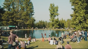 Smoky day in the Sierra fails to stop families from heading to Apple Hill