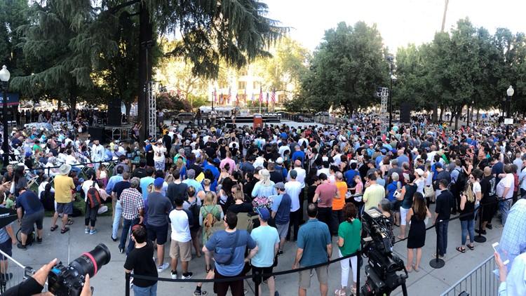 Hundreds attend Bernie Sanders campaign rally in Sacramento's Cesar Chavez Park
