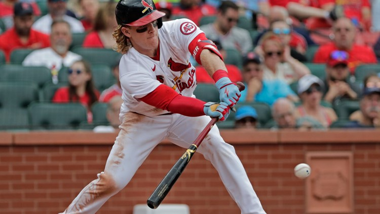 Bader's infield single lifts Cardinals past Giants 2-1