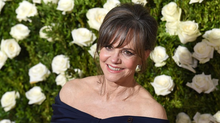 sally field award show_1536856924668.jpg.jpg