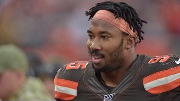 Myles Garrett smashes Mason Rudolph in head with helmet during Browns-Steelers fight