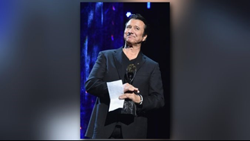 Steve Perry does not perform with Journey at Rock and Roll Hall of Fame induction
