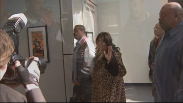 Aretha Franklin tours the Rock and Roll Hall of Fame