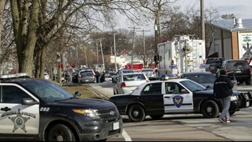 5 people killed after gunman opens fire at Aurora, Illinois warehouse