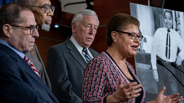 House makes lynching a federal crime, 65 years after Emmett Till was killed