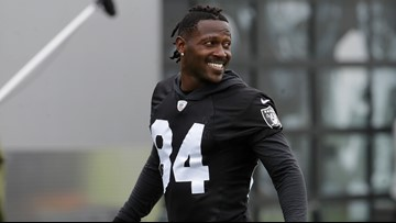 Patriots receiver Antonio Brown's former trainer accuses him of rape