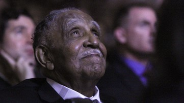 Civil rights leader Joseph Lowery dies at 98